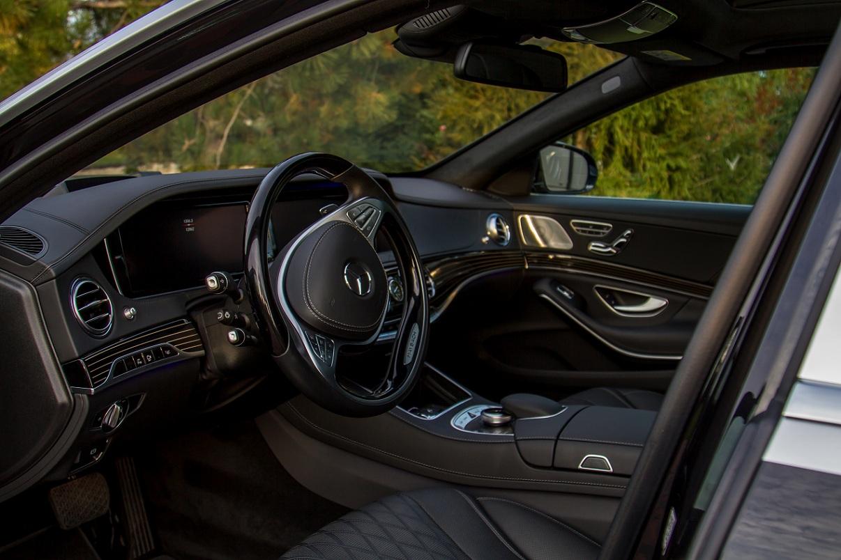 cabriolet, sports car rental in Kiev Mercedes Maybach (6)