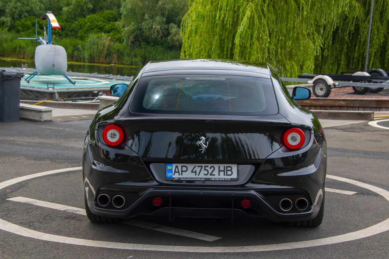 cabriolet, sports car rental in Kiev Ferrari FF (3)
