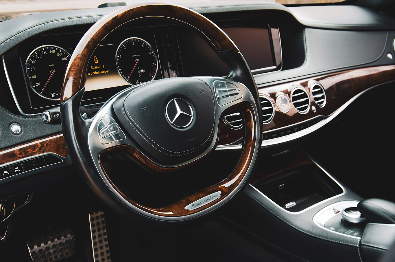 cabriolet, sports car rental in Kiev Mercedes S500L (7)