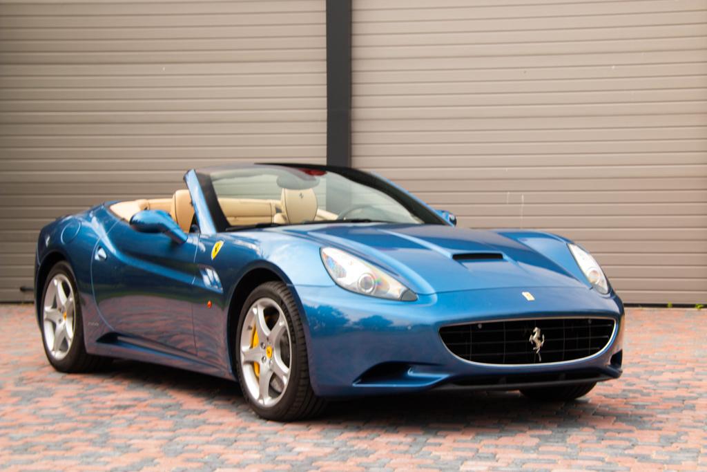 Ferrari California (1)