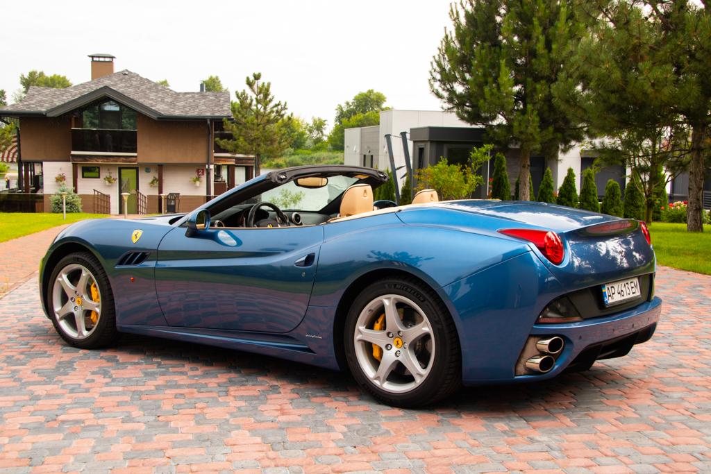 Ferrari California (4)