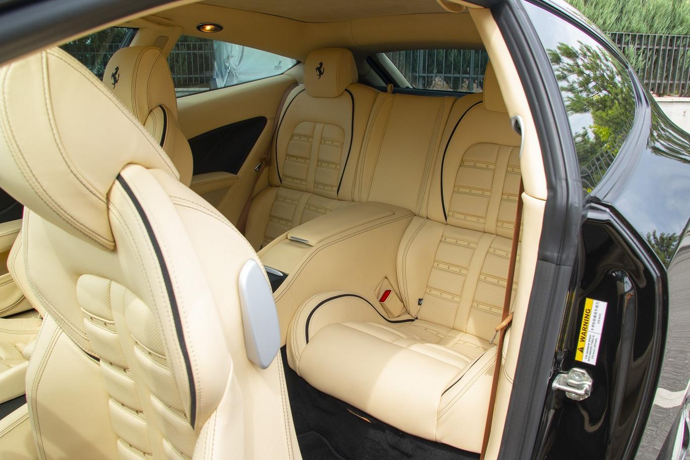 cabriolet, sports car rental in Kiev Ferrari FF (7)