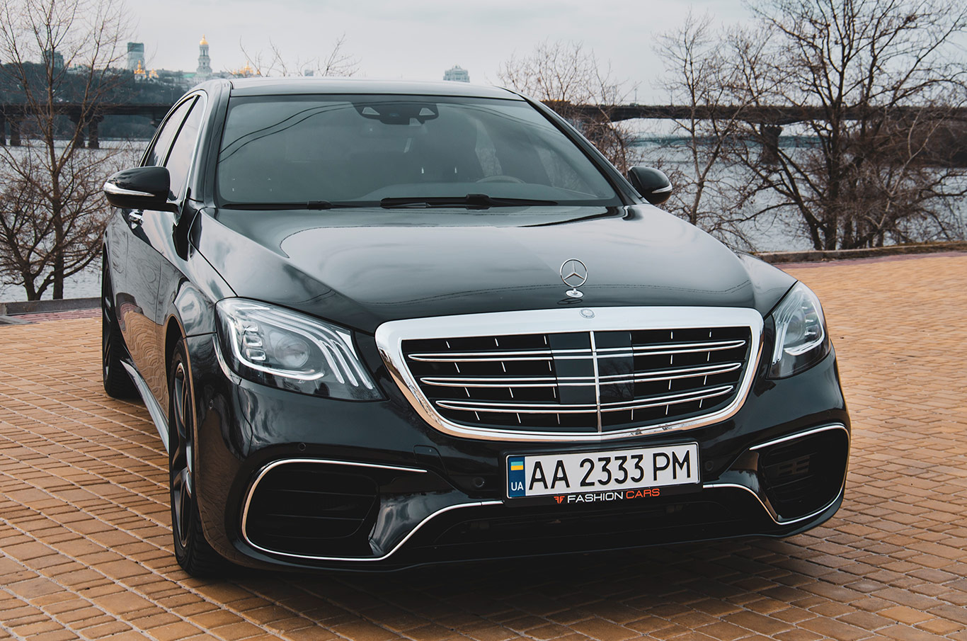 cabriolet, sports car rental in Kiev Mercedes S500L (1)