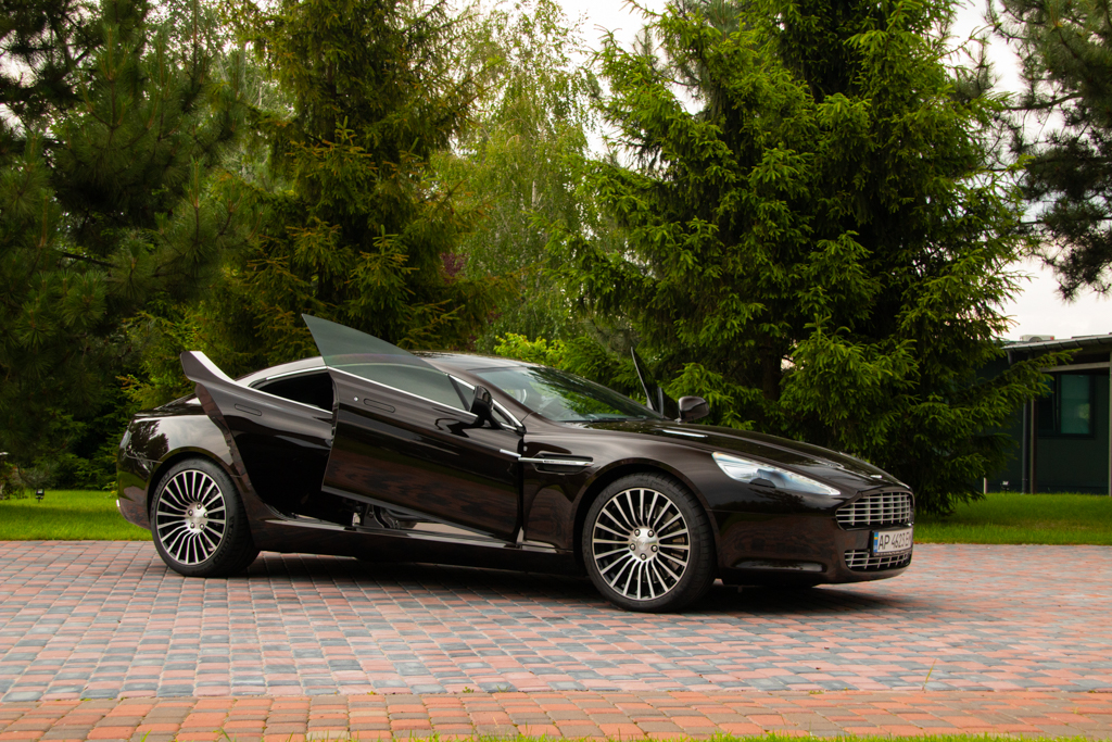 cabriolet, sports car rental in Kiev Aston Martin Rapid (5)