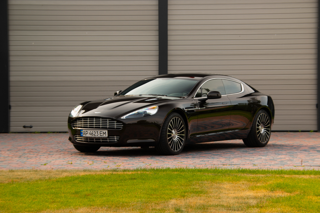cabriolet, sports car rental in Kiev Aston Martin Rapid