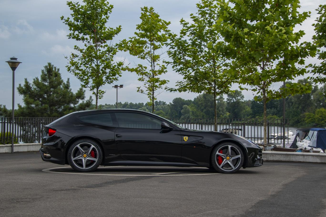 cabriolet, sports car rental in Kiev Ferrari FF (2)