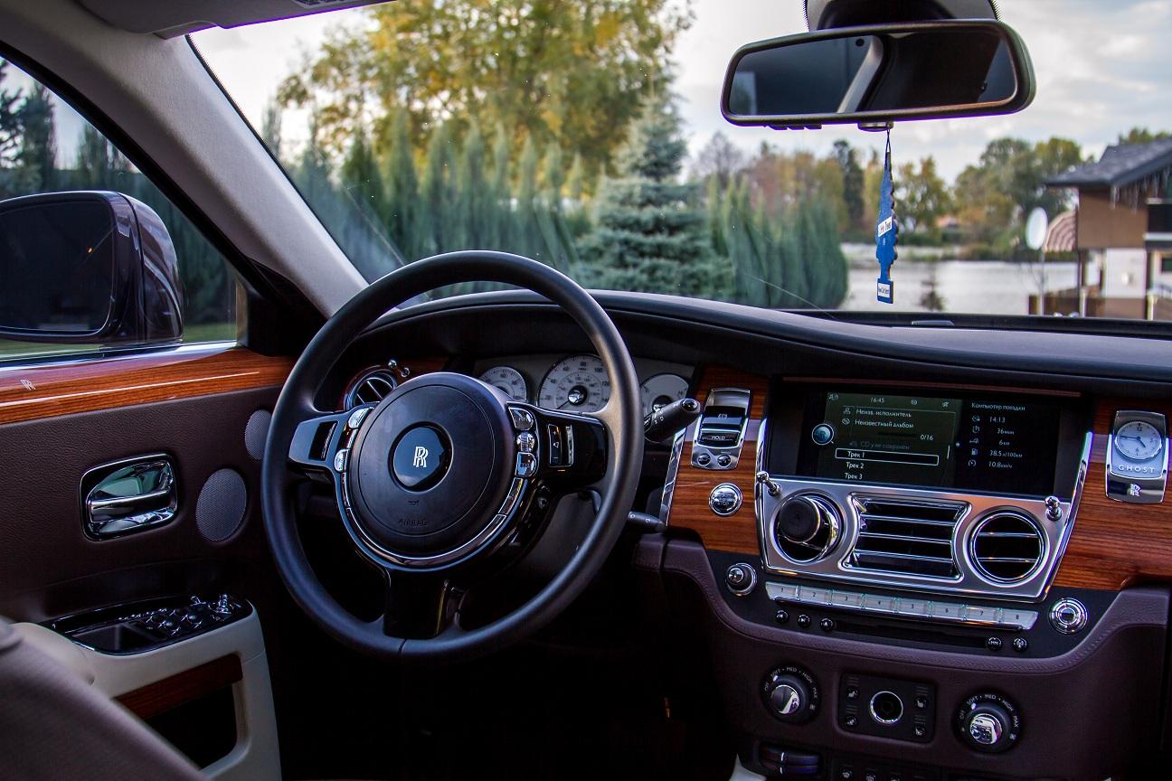 cabriolet, sports car rental in Kiev Rolls Royce Ghost (7)