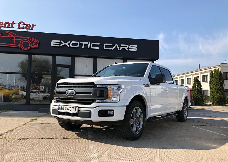 Rent SUV Ford F-150 (1)