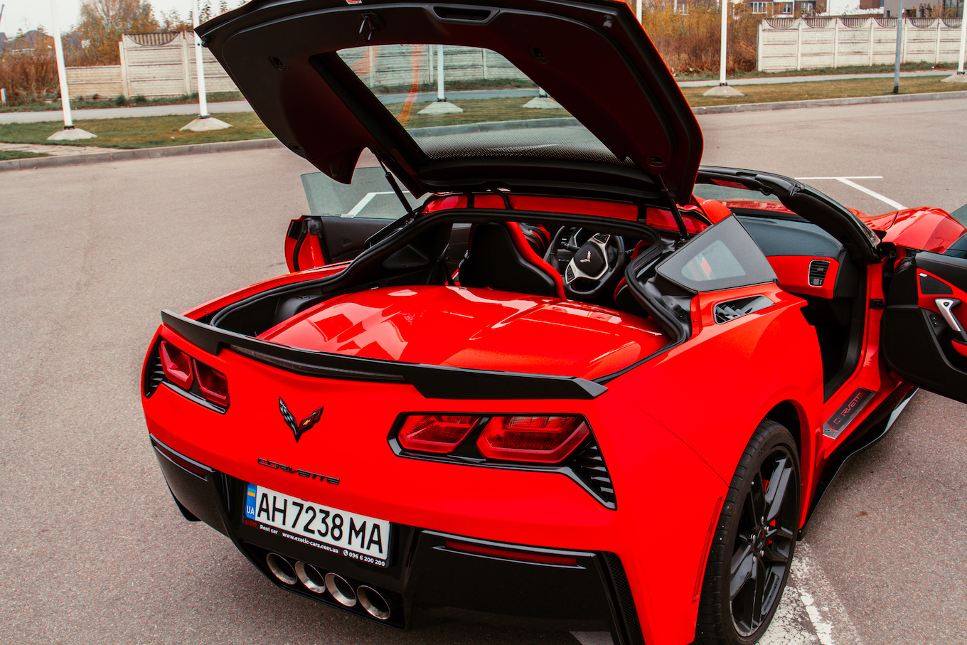 Rent cabriolet Chevrolet Corvette (5)