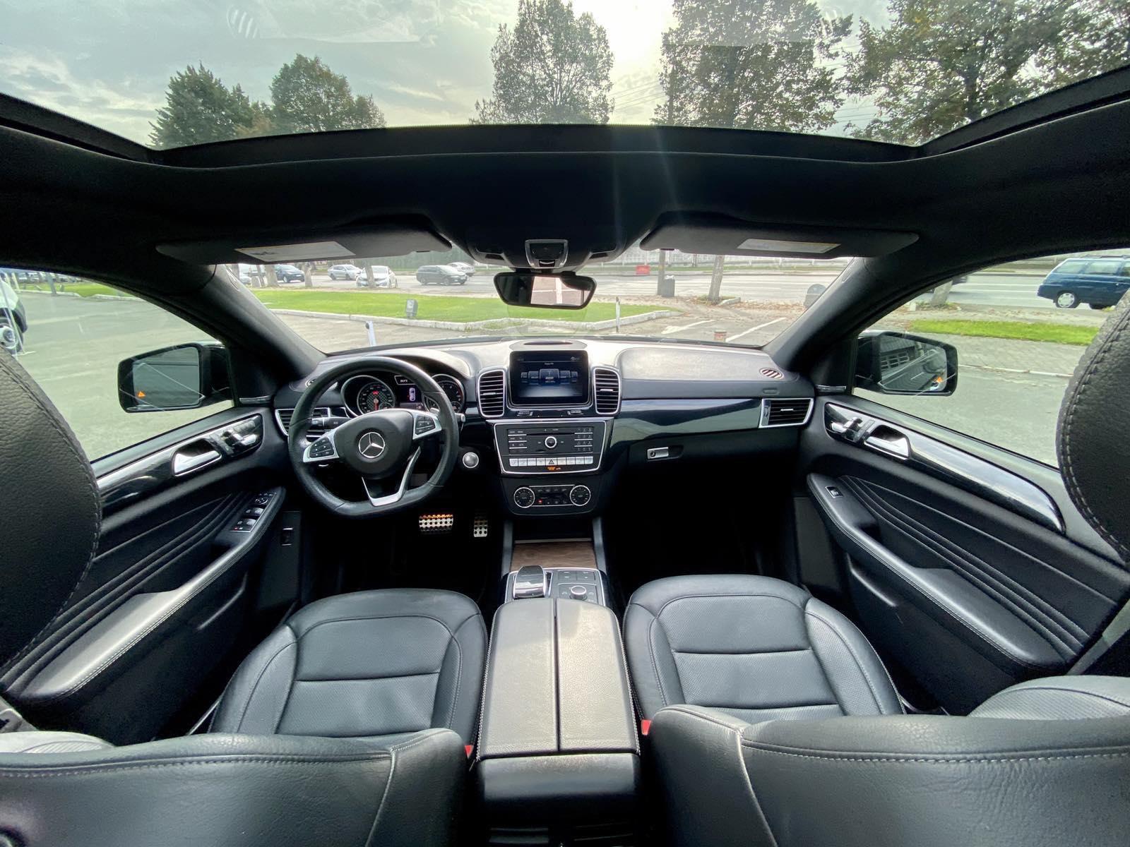 SUV Rental in Kyiv - Rent convertible in Kiev, rent sports car in Kiev (1)