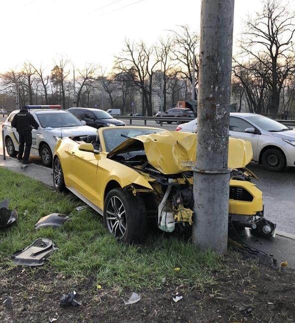 Как нельзя обращаться со спорткарами - Rent convertible in Kiev, rent
