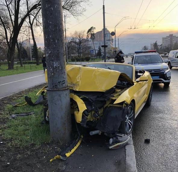 Как нельзя обращаться со спорткарами - Rent convertible in Kiev, rent (2)